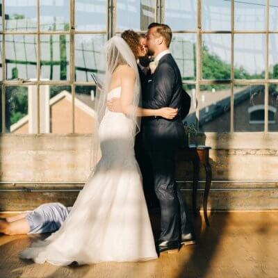 A Fainting Bridesmaid Made These Wedding Pictures The Most Memorable Portraits Ever