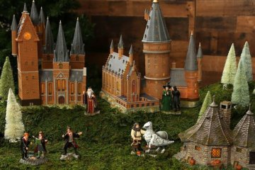 This 'Harry Potter' Christmas Village Will Make Your Holiday Even More Magical