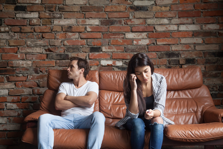 How Do I Know If My Boyfriend Is Being Unfaithful? 13 Signs He's Cheating