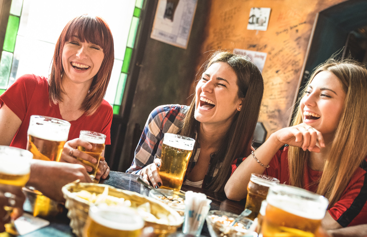 10 Reasons Women Who Choose Beer Over Wine Make Amazing Girlfriends