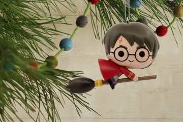 These 'Harry Potter' Christmas Ornaments Are The Holiday Decorations Your Tree Is Missing