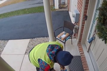 Amazon Delivery Guy Has The Sweetest Reaction To Realizing Homeowner Left Snacks For Him