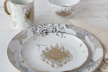 This Harry Potter Marauder's Map Dinner Set Will Make You Feel Like You're Eating In The Great Hall