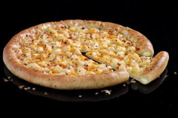 Pizza Hut Is Selling Mac N' Cheese Personal Pan Pizzas Now