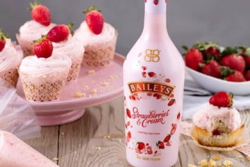 Baileys Strawberries And Cream Edition Is The Ultimate Valentine's Day Drink