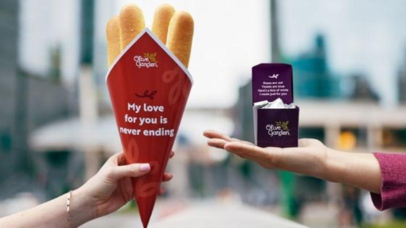 Olive Garden Is Offering Breadstick Bouquets For Valentine's Day Because Nothing Says 'I Love You' Like Carbs