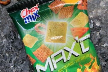 Chex Mix Released A Spicy Dill Pickle Flavor Because You Weren't Snacking Enough Already