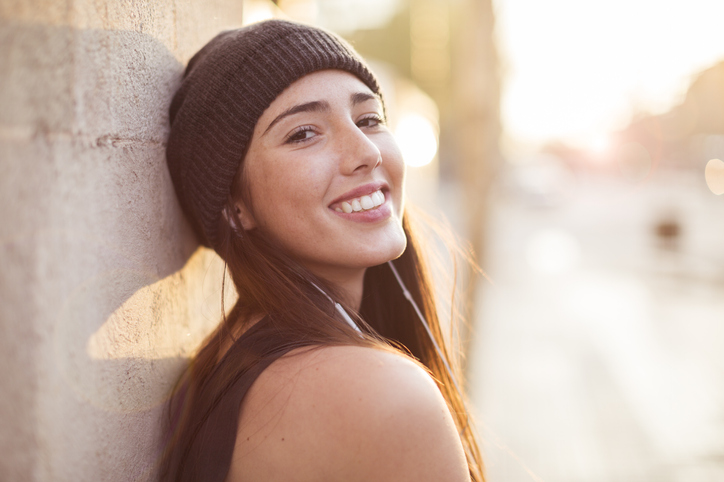 11 Ways To Stay Upbeat When Everyone Around You Is Negative