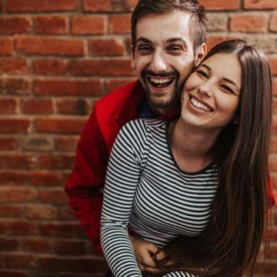 Here's How A Healthy Relationship Should Make You Feel