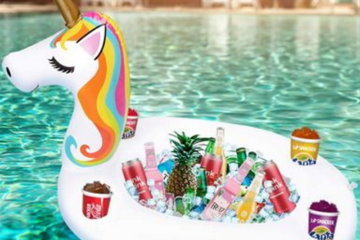 This Inflatable Floating Unicorn Bar Will Bring Magic To Your Boozy Summer