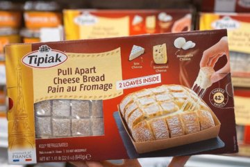 Costco Is Selling Cheesy Pull-Apart Bread With 3 Different Cheeses