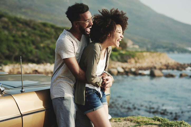 How To Catch And Keep A Guy's Interest For Good