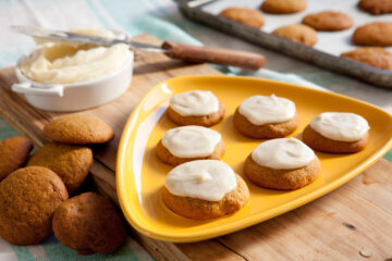 These Pumpkin Spice Cookies With Brown Butter Frosting Are The Only Snack You Need This Autumn