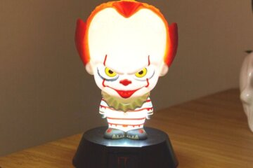 This Pennywise Night Light Will Give You The Sweetest Nightmares