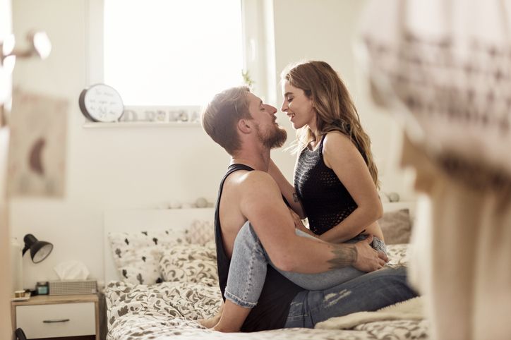 12 Signs A Guy Is Seriously Turned On By You