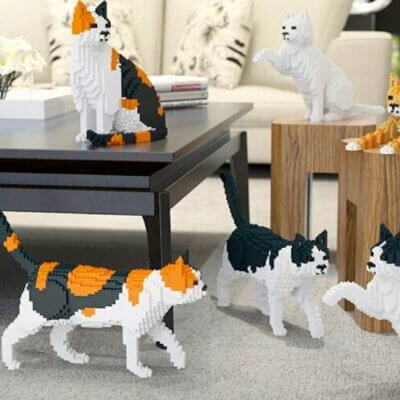 Can't Have Pets? These LEGO-Like Building Blocks Let You Create Your Own Life-Sized Cat