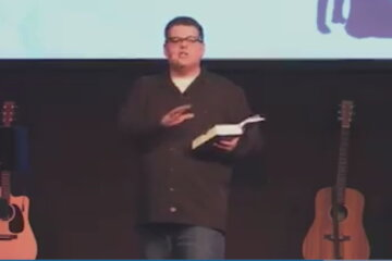 Baptist Pastor Placed On Leave After Instructing Female Worshippers To Look Pretty And Lose Weight For Their Husbands