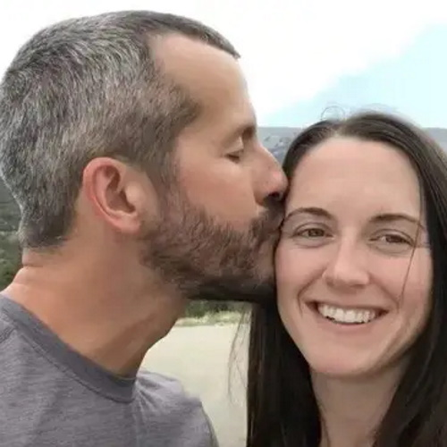 Murderer Chris Watts Is Still In Touch With The Woman He Killed His Family To Be With