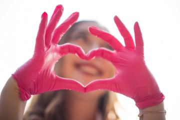 3 Men Created 'Pinky Gloves' For Disposing Of Tampons And Women's Eyes Everywhere Are Rolling