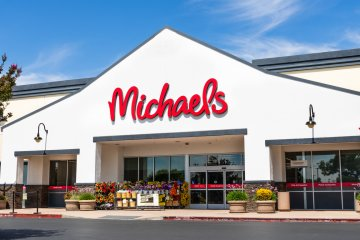 Michaels Is Offering Free Online Crafting Classes For People Of All Ages