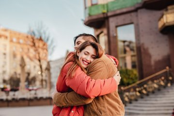 Am I Being Clingy? 10 Signs You Need To Give Your Partner Some Space