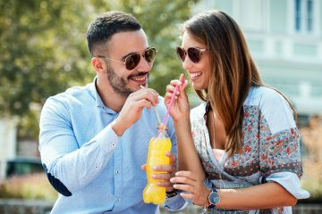 Guys, Here Are 9 Physical Signs A Woman Is Into You According To Her Body Language