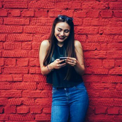 How To Grab A Guy's Interest Over Text