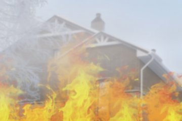 Woman Sets Her House On Fire Then Grabs Lawn Chair To Sit Out And Watch It Burn
