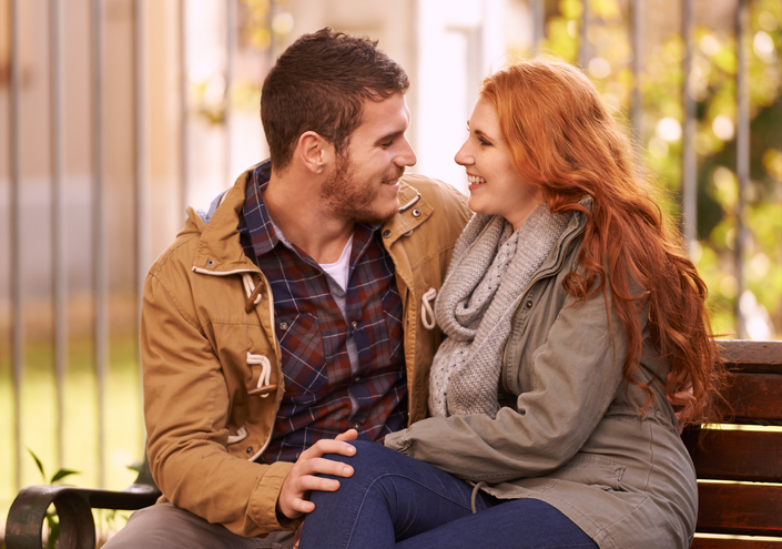 10 Ways Guys Flirt – How To Recognize When He's Putting The Moves On You