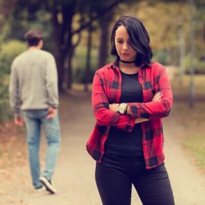 11 Signs Your Ex Is Only Pretending To Be Over You