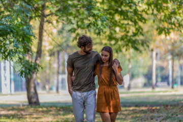 I Get Attached Too Easily And It Affects My Relationships In These 10 Ways