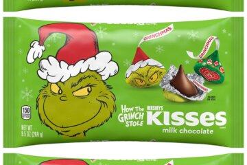 Hershey's New Grinch Kisses Might Put You On Santa's Naughty List But They Sure Taste Nice