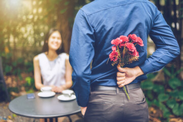 8 Signs You're Being 'Love Bombed' By Your Partner