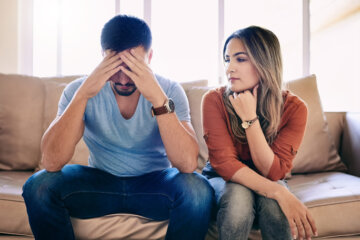9 Signs Of An Unhealthy Relationship You're Totally Ignoring