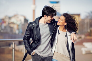 How To Effortlessly Get A Guy Hooked On You