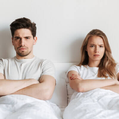 8 Signs You're In A Dying Relationship And How To Fix It
