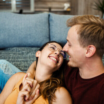 Signs Of A Clingy Girlfriend And How To Avoid Turning Into One