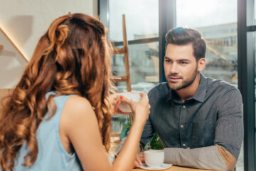 A Guy Shares 10 Tell-Tale Signs He's Losing Interesting In You